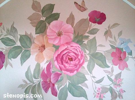 Роспись стены. Композиция из цветов